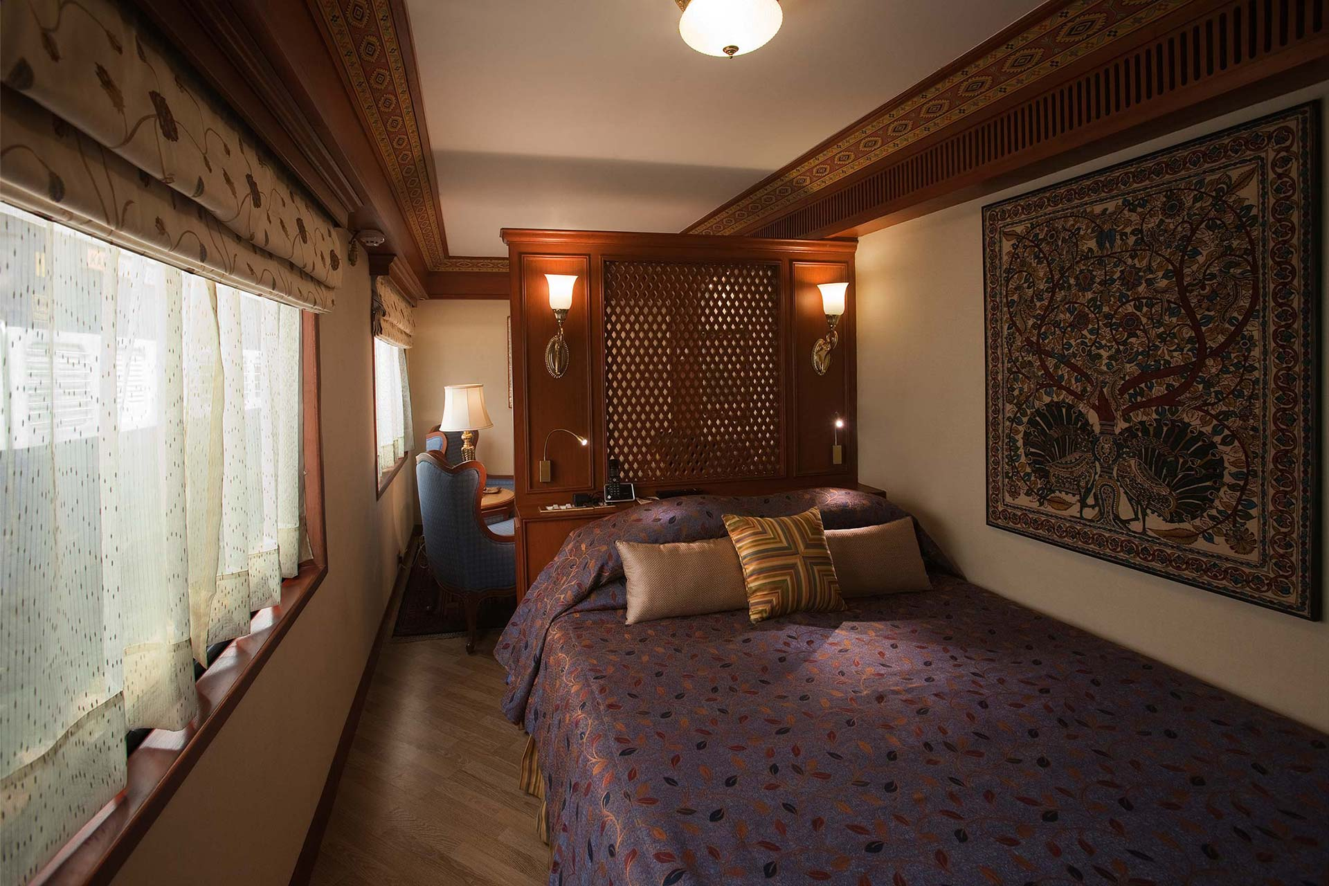 Luxury Trains, Maharaja Express Suite